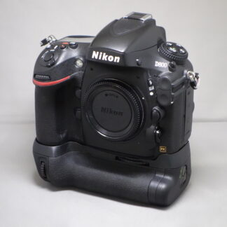 Used Nikon D800 Body & Grip